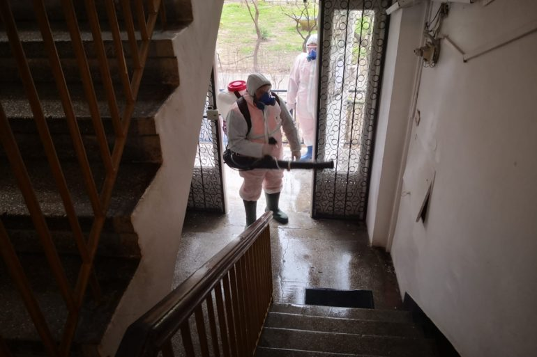 A fost sistată activitatea de dezinfecție a scărilor de bloc din Craiova